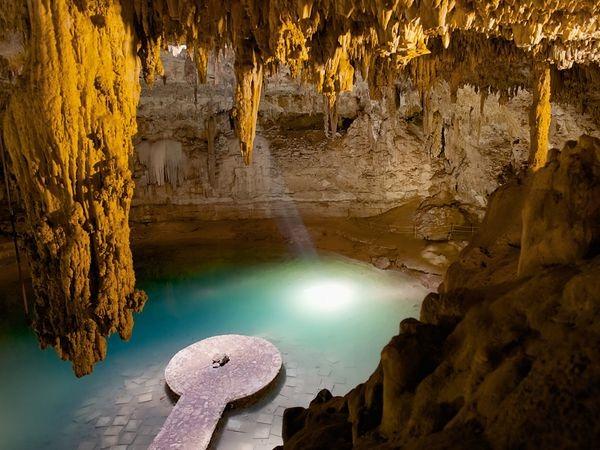 Cenotes Chichen Itza Mexico