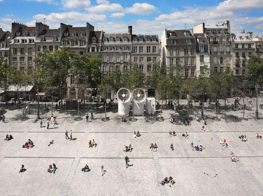 Street Scene, Paris by Brian Yen