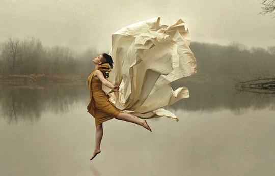 09-levitation-photography