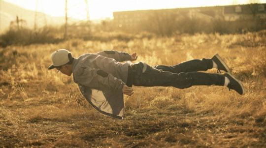 47-levitation-photography