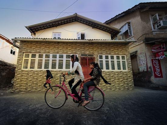 cyclists-mumbai-india