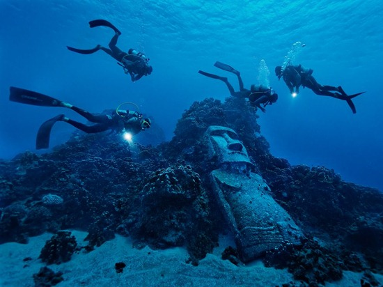 fake-moai-olson-photo-of-the-day-natgeo