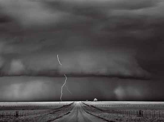 lightning-oklahoma-dobrowner-photo-of-the-day-natgeo