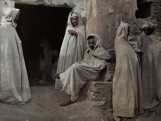 men-algeria-knott