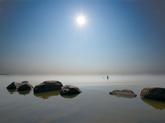 swimmers-lake-winnipeg-photo-of-the-day