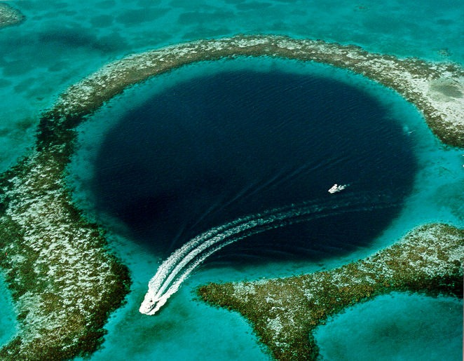 GREAT-BLUE-HOLE-Image-4.jpg